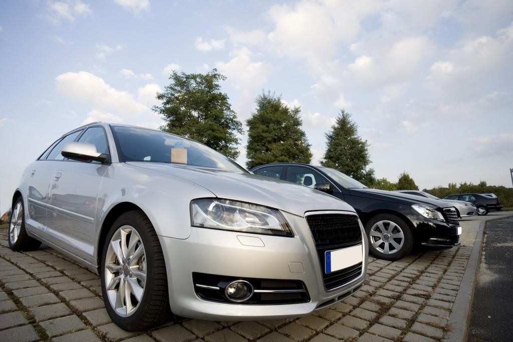 車を売る方法はディーラー・車の買取店・車の一括査定の3つ